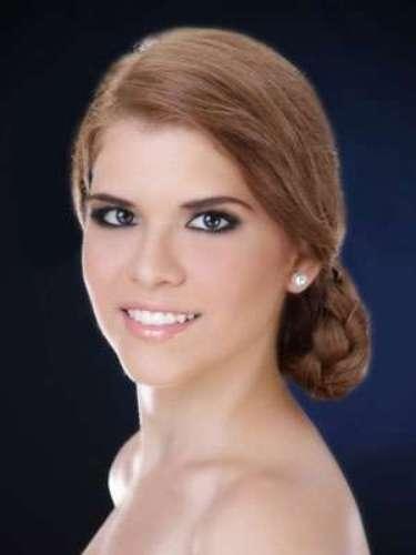 Nicole Pólit Luzarraga - Guayas . Tiene 20 años de edad, su estatura es de 1.75 metros.
