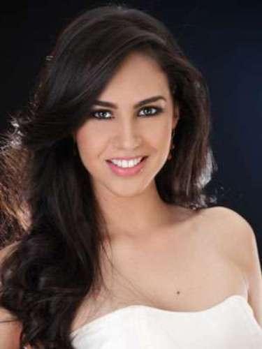Tatiana Romero Macías - Los Ríos. Tiene 23 años de edad, su estatura es de 1.73 metros y como idioma adicional domina el inglés.