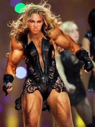 Algunos usuarios de internet creen que el trabajado cuerpo deBeyoncé es producto de un excesivo uso de anabólicos y otras sustancias que la hacen verse así de musculosa.