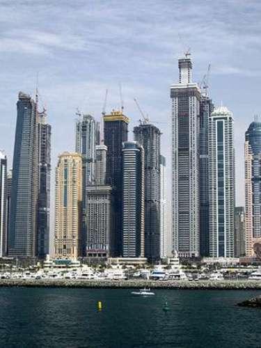 10. Dubai, la ciudad del futuro. Es el territorio más extenso de los siete que conforman los Emiratos Árabes Unidos, es a la que se le ha dado dicho mote, ya que combina a la perfección lo tradicional con lo novedoso.