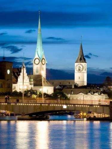 The Economist publicó un listado de las ciudades más caras para vivir. Zurich, Suiza, por su parte, que en el pasado ranking ocupaba la primera posición, cayó hasta el séptimo puesto. Desde finales del siglo XX, Zurich es el centro financiero y motor económico del país.