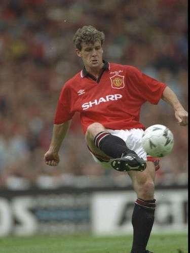 Una década después de la salida de Best, apareció Mark Hughes, quien vistió la camiseta del Man United en dos etapas (1983-86 y 1988-95), ganándolo prácticamente todo.