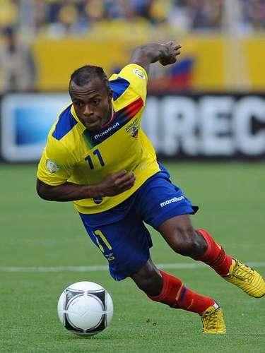 Christian Benítez jugó los 90 minutos, se fue en blanco y en la recta final se perdió la oportunidad de ampliar la ventaja, al fallar un gol ya sin portero, en un contragolpe ecuatoriano, aunque estuvo involucrado en el gol del triunfo, marcado por Felipe Caicedo.