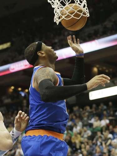 Carmelo Anthony sumó 36 puntos y nueve rebotes.