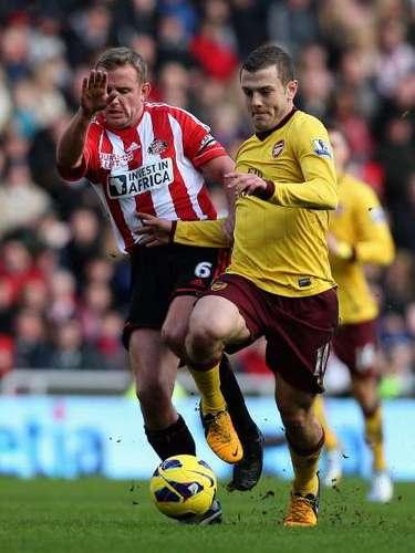 Pese a la presión del Sunderlando, Jack Wilshere logró manejar los hilos del mediocampo a su antojo.