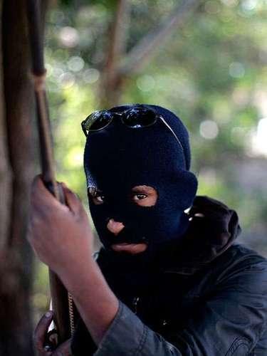 El surgimiento de éstas fuerzasno es exclusivo del sur, ya que existen algunas comunidades alzadas en armas en Cherán, estado de Michoacán, desde 2011, en el Valle del Mezquital, en Hidalgo, desde 2008, y en comunidades que simpatizan con el Ejército Zapatista de Liberación Nacional (EZLN), en Chiapas, desde 1994.