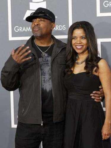 El rapero Chuck D y su esposa Gaye Johnson se arreglaron... para ir de compras al supermercado.