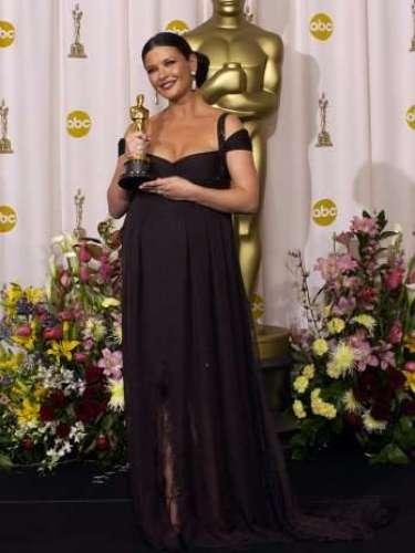 En el 2003, Catherine Zeta-Jones asistió al Oscar con casi nueve meses de gestación