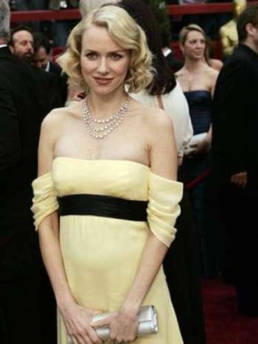 En la entrega 79 del Oscar en el 2007, Naomi Watts desfiló en la alfombra roja