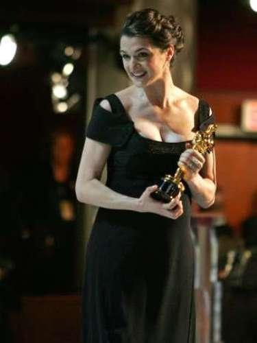 En la entrega 78 del Oscar en el 2006, Rachel Weisz asistió embarazada