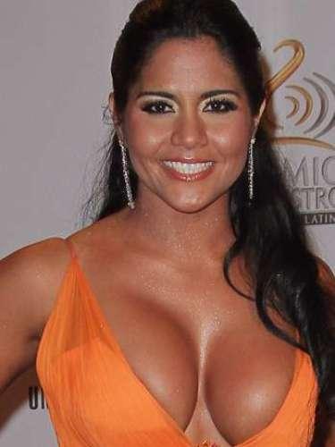 Maripily Rivera -Se vienen los Premios Lo Nuestro A La Música Latina y para ir calentando el ambiente te traemos los escotes más llamativos y sensuales que han llevado las espectaculares féminas a través de los años en su paso por la alfombra roja en la gran fiesta de la música latina.