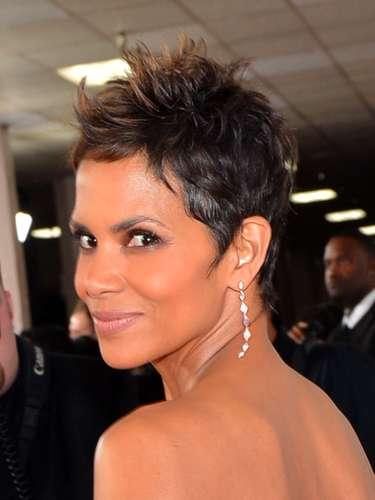 Halle es hoy en día una actriz consagrada en Hollywood y su tarifa por cada película que filma sobrepasa la cifra de los cinco millones de dólares. Además recibe dinero por múltiples campañas publicitarias, algunas de ellas de maquillaje.