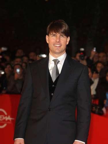 El ahora rico actor pasó por 15 colegios, y sus padres se separaron cuando él tenía 15 años, quedando al cuidado de su madre.