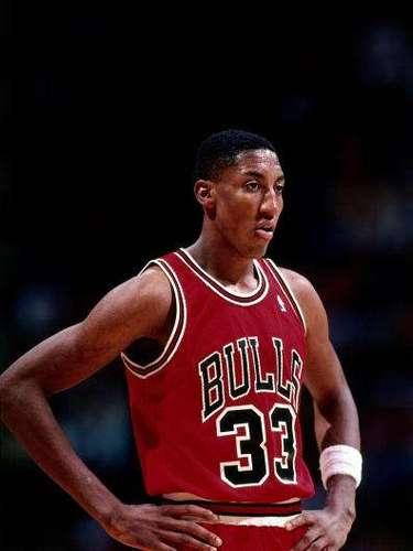 El legendario ex alero Scottie Pippen fue seis veces campéon de la NBA, 7 veces elegido en el Mejor quinteto de la liga, 8 veces elegido en el mejor quinteto defensivo, Miembro del Salón de la Fama en 2010, uno de los 50 mejores jugadores de la historia de la NBA, y hasta dos veces campeón olímpico (Barcelona 1992 y Atlanta 1996).