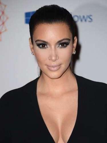 Kim Kardashian debe su fama a un videotape que invadió la red. Superado ese incidente, esta celebridad cuenta ahora con su propio reality, línea de productos y es una de las mujeres más admiradas por sus curvas exuberantes. Ahora espera su primer hijo junto al rapero Kanye West.