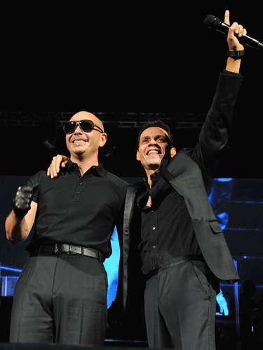 down   Marc Anthony and Pitbull bring a fiery performance this Presidents Day weekend at the Barclays Center in Brooklyn, New York.