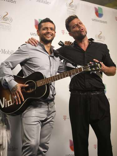 Let's hope Premio Lo Nuestro is only the beginning of more stage collaborations between these two.