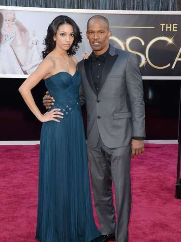 Jamie Foxx decided to show us how proud he is of his grown up daughter Corinne Bishop tonight.