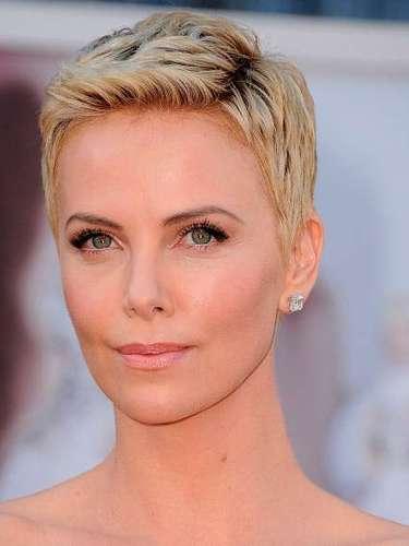 Theron eligió sus joyas de la casa Harry Winston.¿Qué usará la actriz sudafricana este año?