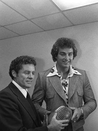 El ex ala defensiva de los Oakland Raiders John Matuszak era conocido por sus maneras salvajes en el campo, pero también labró una carrera como actor a finales de los años 1970 y principios de los años 80, con apariciones en North Dallas Forty, The Ice Pirates, y apariciones especiales en programas como Silver Spoons, Miami Vice, y The A-Team. Su actuación más recordada es como el cautivo Sloth en The Goonies.