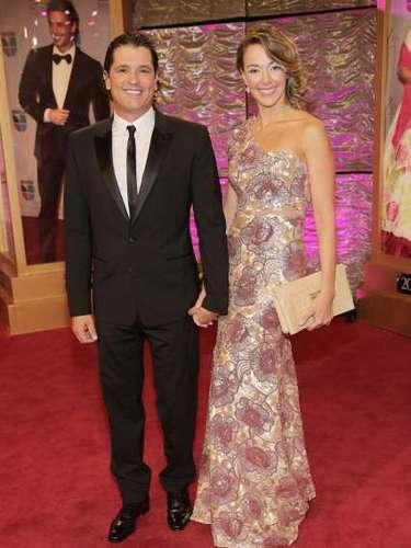 Carlos Vives y Claudia Elena Vásquez lograron mantener a flote su amor, en medio de acusaciones de infideliad por parte de él a su ex-esposa Herlinda Gómez.