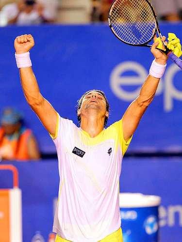 El español David Ferrer, cuarto del mundo y tricampeón del Abierto Mexicano de Tenis, derrotó con facilidad 6-0 y 6-3 al croata Antonio Veic en la segunda jornada del torneo que se celebra en el Acapulco, Pacífico mexicano.