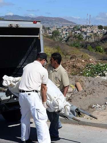 Además, el país se encuentra en una posición geográfica a medio camino entre los países productores de cocaína de Suramérica y el mercado final de la droga, Estados Unidos.