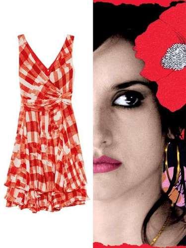 Vestida de Raimunda: este vestido de cuadros de Oscar de la Renta, a la venta en Net-a-porter, haría las delicias de la Penélope Cruz de 'Volver'.
