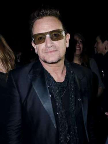 Bono fue otra de las estrellas que compartió una velada entre risas y amigos.