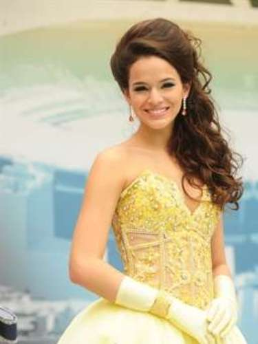 La actriz caracterizada como el personaje Belezinha, de 'Aquele Beijo'.