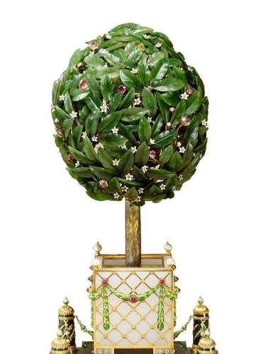 Varios huevos Faberge de los considerados imperiales forman parte de la colección de la Reina Isabel II de Inglaterra.