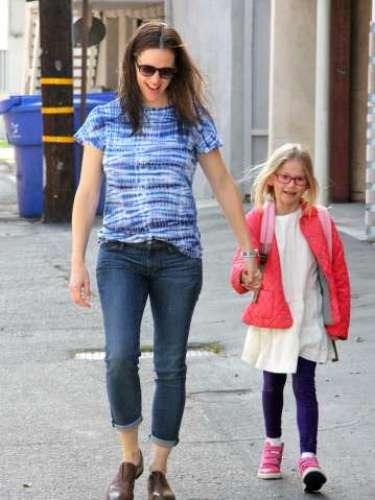 Jennifer Garner, con la pequeña Violet que esta a la espera de su nuevo hermano o hermana
