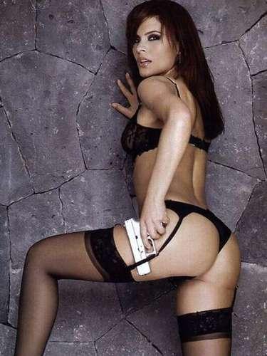 Mary Boquitas, excorista de Gloria Trevi, apareció en la edición de abril de 2007. La cantante protagonizó la primera edición especial de sexo en la que habló de sus armas para seducir a los hombres.