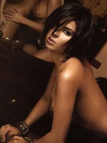 Denisse Padilla, mejor conocida como 'La Mapacha', compartió el número con Lis Vega. La hermanita de 'Big Brother' protagonizó una candente sesión de fotosen las que aparecía con dos mujeres más.