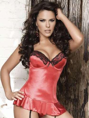 La actriz Gaby Elizalde aprovechó la primavera de 2011 para desnudarse para H Extremo.