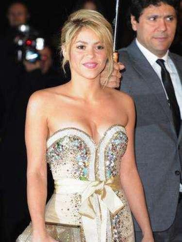 Shakira hizo su primera aparición pública en Barcelona tras dar a luz a su hijo Milan el pasado 22 de enero y sorprendió con su recuperada figura.