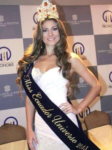 La reina de 22 años y 1.75 metros de estatura, es modelo profesional y además egresada en Economía y cursa sus estudios como contadora pública.