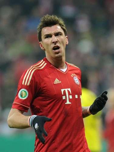 3. El tercer lugar es para el delantero croata del Bayern Múnich, Mario Manduki, quien lleva 15 goles esta temporada. Este fin de semana no anotó.