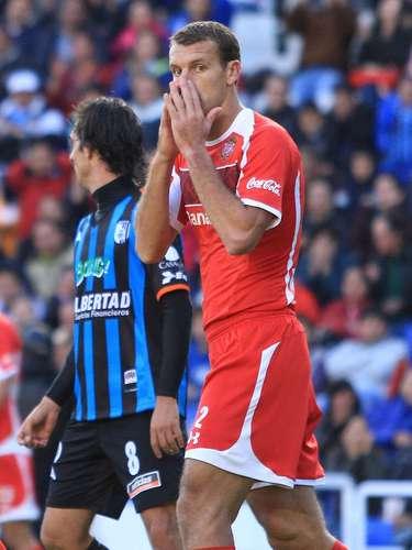 El villano: Diego Novaretti marcó el autogol con el que Toluca perdió 1-0 ante Querétaro.