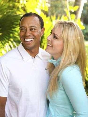 """En su página, Vonn publicó: """"Yo creo que no era un secreto bien guardado, pero sí, estoy saliendo con Tiger Woods. Nuestra relación se desarrolló a partir de una amistad en algo más durante estos últimos meses y me ha hecho muy feliz. No pienso hablar más al respecto y me gustaría mantener esa parte de mi vida entre nosotros, mi familia y amigos cercanos. Gracias por su comprensión y su apoyo continuo! xo LV""""."""