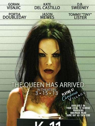 La fama de la actriz mexicana anda colgada de los cuernos de la luna. Ahora aparecerá en la película titulada 'K-11', donde dará vida a 'Mousey', un transexual que maneja los hilos de una peligrosa cárcel.