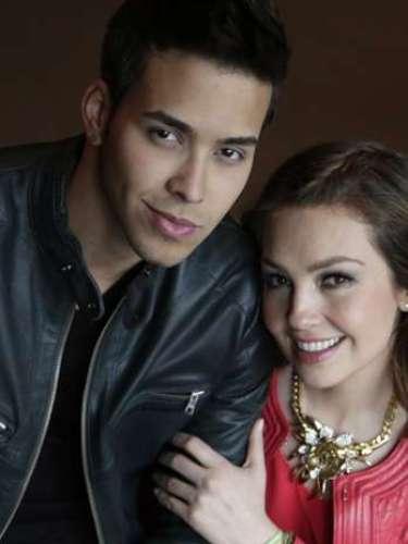 Thalía y Prince Royce lucen impecables en las fotografías promocionales que se tomaron bien juntitos.