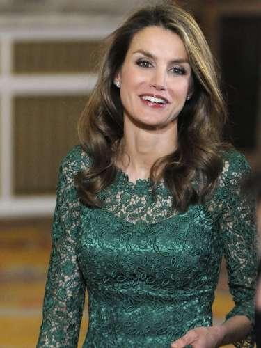 A pesar de los últimos rumores sobre una posible crisis con su marido, doña Letizia se mostró bastante tranquila y relajada.