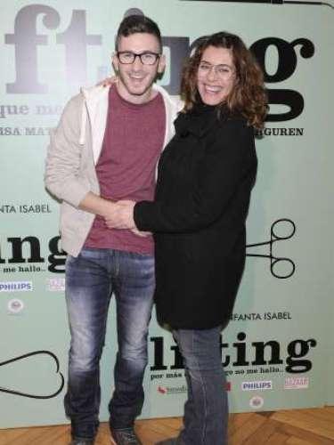 David Castillo, Jonathan de 'Aída', cambió de fiesta y se marchó de la Diesel al estreno de la obra de teatro 'Lifting'.
