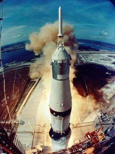 El Apolo 11 parte de Cabo Cañaveral.