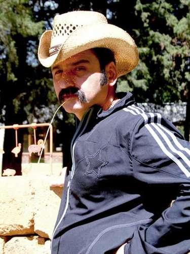 Robinson Díaz intepreta nuevamente a 'El Cabo', un peculiar personaje que apareció en la serie de 'El Cartel de los Sapos', pero que ahora regresa reinventado.