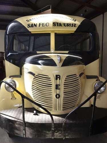 Vehículo de transporte interurbano que el siglo pasado unió a Rancagua con Santa Cruz