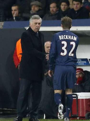 Por otra parte, el mediocampista David Beckham se tomó muy bien el haber sido sustituido por el italiano Marco Verratti al minuto 70, porque se acercó a saludar a Ancelotti después del cambio.