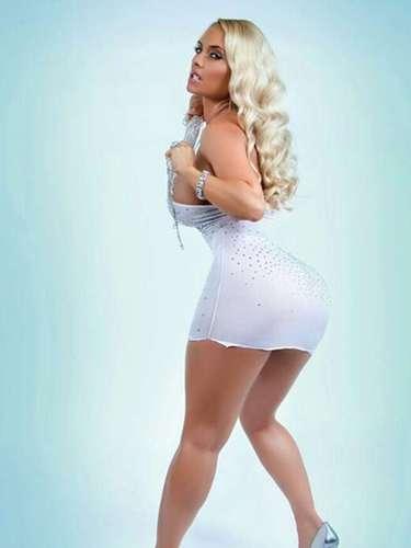 Los tuiteros que siguen a Coco Austin en la cuenta @cocosworld son los más felices gracias a las incontables poses de la esposa de Ice-T.