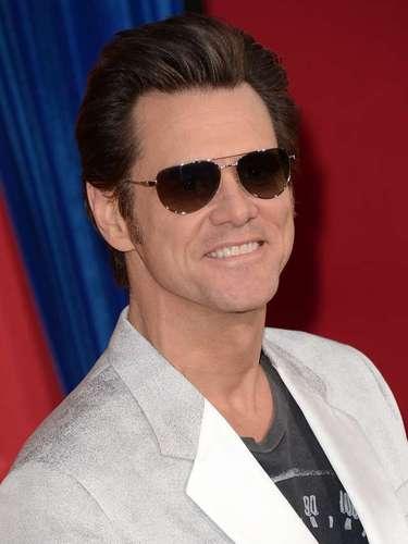 El actor Jim Carrey se une al club de los zurdos con Brad Pitt, Tom Cruise y Robert De Niro.
